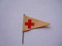 Speldje Eplinglette  Vlag Rood Kruis Drapeau Croix Rouge 4 X 2,5 Cm - Badges