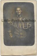Foto AK Offizier K.u.k. Österreich Ungarn Orden Tapferkeitsmedaille II. Bataillon Landwehr Infanterie Regiment 31 Altona - Guerre 1914-18