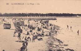 17. LA ROCHELLE. CPA . ANIMATION SUR LA PLAGE - La Rochelle