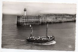 DIEPPE--1955--Bateau De Promenade ( Animée)-- Cachet (phare) --  Timbre - Dieppe
