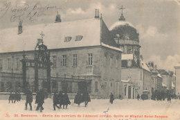 25 // BESANCON   Sortie Des Ouvriers De L'Arsenal (civils), Grile De L'hopital St Jacques  21 ** - Besancon