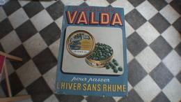 PLAQUE PUBLICITAIRE EN CARTON Pastilles Valda - Plaques En Carton