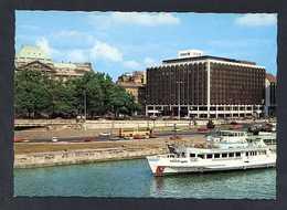 Hungría. Budapest *Hotel Atrium Hyatt* Foto: Tomori Ede. Nueva. - Hungría
