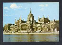 Hungría. Budapest *Parliament* Foto: Csobaji Elöd. Nueva. - Hungría