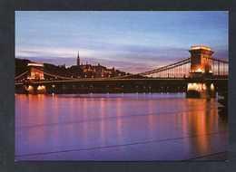 Hungría. Budapest *Chain Bridge* Foto: MTI Tulok András. Nueva. - Hungría