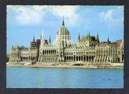 Hungría. Budapest *Parliament* Foto: Radó László. Nueva. - Hungría