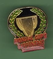 MONDIAL CUP'S *** CARPENTRAS *** COUPES ET TROPHEES *** 0021 - Badges