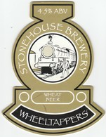 STONEHOUSE BREWERY (OSWESTRY, ENGLAND) - WHEELTAPPERS WHEAT BEER - PUMP CLIP FRONT - Letreros