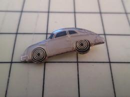 Pin1216A : Pin's Pins / RARE & BELLE QUALITE / THEME : AUTOMOBILES / JOLIE PORSCHE RETRO BLANCHE - Porsche