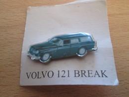 Pin1216b : Pin's Pins / RARE & BELLE QUALITE / THEME : AUTOMOBILE / VOLVO BREAK VERTE - Badges