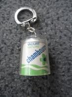 1 PORTE CLEFS CHAMBOURCY Yaourt Nature Produit Laitier @ Vers 1965 - Porte-clefs