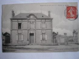 28 -  CPA - VIERVILLE - Ecole Et Mairie - Belle Carte ANIMEE Peu Commune - Andere Gemeenten