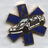 Pin's Ambulance SAMU Voiture Renault - Renault