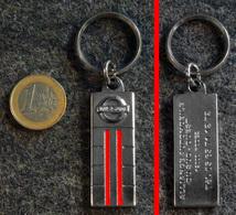 Porte-clé Ancien En Métal Chromé NISSAN Concession RODEZ - Cars