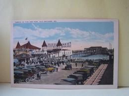 OLD ORCHARD BEACH (ETATS UNIS) LES VOITURES. TEMPLE OF FUN AND PIER. - Etats-Unis