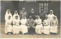 Lot De 8 Cartes Photos D'un Hopital De Campagne Non Situe - Medecin Folhoen Et Infirmieres (Region Picardie) - Guerre 1914-18