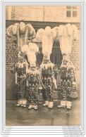 Belgique - Carnaval De Binche - Un Groupe De Gilles En Grande Tenue - Binche