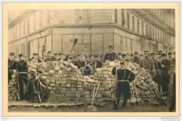 75 - PARIS - Guerre 1870 - Barricade De L'angle Des Boulevard Voltaire Et Richard Lenoir 18 Mars 1871 - France