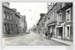 14 - LA RIVIERE SAINT SAUVEUR - Grande Rue (cpsm 9x14) - Otros Municipios