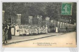 91 - FORGES LES BAINS - Hopital Un Jour De Fete (animee Enfants) - Autres Communes