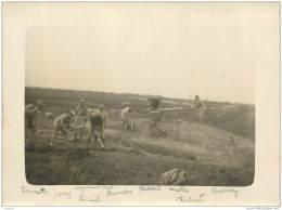 Photo De Soldats Creusant Des Tranchees Avec Leur Nom Ecrit En Bas - Non Situe - Guerre 14/18 - Krieg, Militär