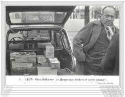 LYON - Lot De 6 Cartes Sur La Bourse Aux Timbres Et Cartes Postales Place Bellecourt - Annees 70 - Altri