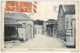 51 - CHIGNY LES ROSES - Rue Du Commerce - Frankrijk