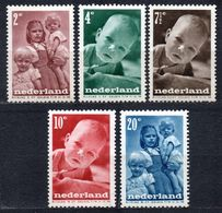 Netherlands 1947 Child Welfare Children Kid Kids People Organizations Youth Stamps MNH Michel 495-499 - Childhood & Youth