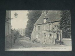 LYONS LA FORET     1950   /      RUE  &  LA POSTE   ...... - Lyons-la-Forêt