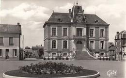 Routot.  L' Hôtel De Ville - Routot