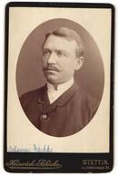 Fotografie Heinrich Schicke, Stettin, Portrait Herr Mit Oberlippenbart - Anonyme Personen