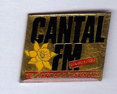 PIN S AURILLAC CANTAL FM LE CANTAL A SA RADIO - Medias