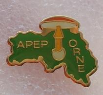Pin's Champignon . Mycologie . APEP Orne . Amanite - Food
