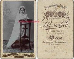 CDV Communiante Photographiée Par Lanzaro Et Leca Rue D'Isbly à Alger - Photographs