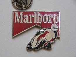 Pin's - MOTO MARLBORO - Estampillé SAGGAY - Motorbikes