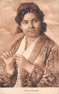 Albanie Femme Donna Albanese - Albanie