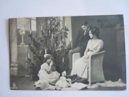 Buon Natale Scene De Famille Fillette Poupée Familie Tafereel Meisje Pop Photo Circulée Italie 1912 - Games & Toys