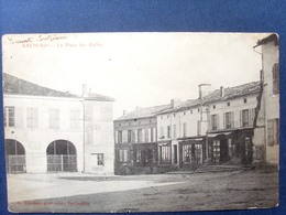 17 ,archiac ,la Place De Halles En 1905   ....  Circulée Timbrée .... - Autres Communes