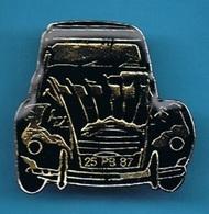 1 PIN'S //   ** 2 CV CITROËN ** LA DEUDEUCHE / NOIRE ** - Citroën