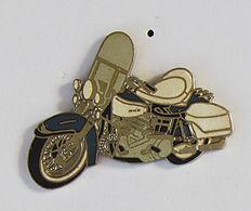 1 Pin's MOTO HARLEY DAVIDSON Signé DEMONS & MERVEILLES - Moto