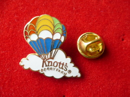 PIN'S MONTGOLFIERE  KNOTT'S - Airships