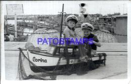 94323 ARGENTINA MAR DEL PLATA PORT PUERTO SHIP TOY CORINA AND BOY'S YEAR 1962 PHOTO NO POSTAL POSTCARD - Argentinien