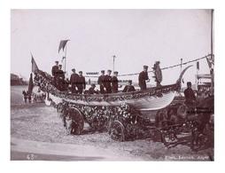 Originale Photo 1897 Campagne De L'Iphigénie (fregate ) Char De Fleurs Alger - Algérie - Personnalité ? - Photo Leroux - Boats
