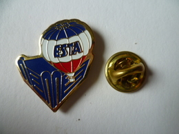 PIN'S MONTGOLFIERE   ESTA - Airships