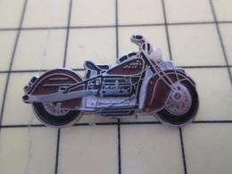 Pin411a Pin's Pins / Beau Et Rare : Thème MOTOS / MOTO ROUTIERE ANCIENNE PEUT ETRE HARLEY ? - Motorbikes