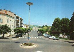B51592 Issoire - Le Square Et L'Avenue De La Gare - France