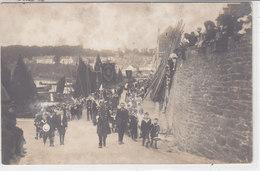 DOUARNENEZ :  La Montée De La Procession - Carnec - Très Rare Carte Photo ! - Douarnenez