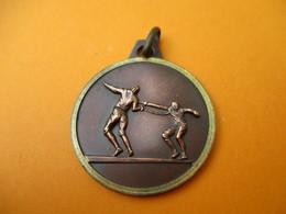 ESCRIME / Médaillon De Cou / Non Attribuée/ Bronze / Vers 1980-90           SPO265 - Fencing
