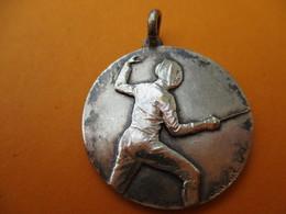 ESCRIME / Médaillon De Cou / Non Attribuée/ Bronze Nickelé /Contaux/ Vers 1980-90           SPO270 - Fencing