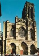 02 Soissons La Cathédrale Avec Automobiles Peugeot Et Citroên 2CV (2 Scans) - Soissons